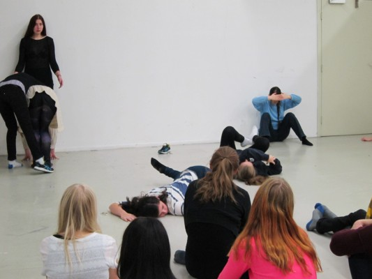artist Saskia Janssen and performer Deborah Abrahams workshop at Artez Arnhem